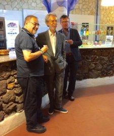 Franco Foresta Martin (al centro) fra il prof. Giulio Magli (in fondo) e il giornalista Daniele Billitteri (in primo piano).