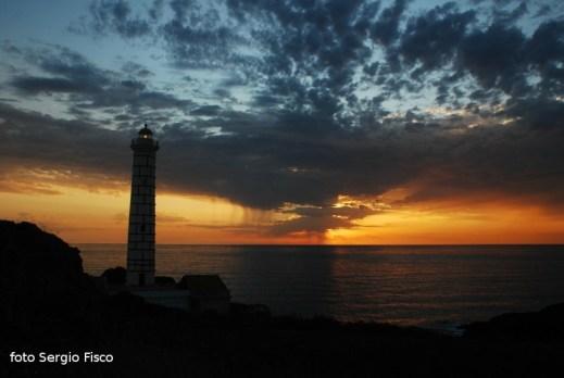 Ustica, Faro di Punta Cavazzi - imbrunire