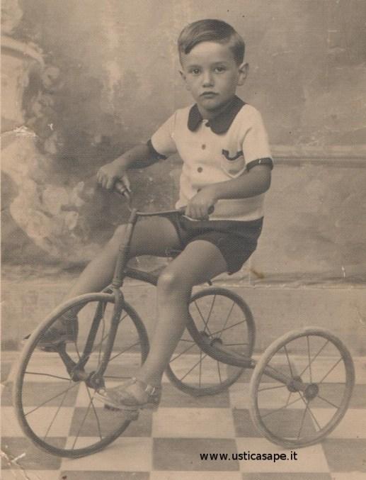 Chi riconosce o si riconosce in questo bambino?