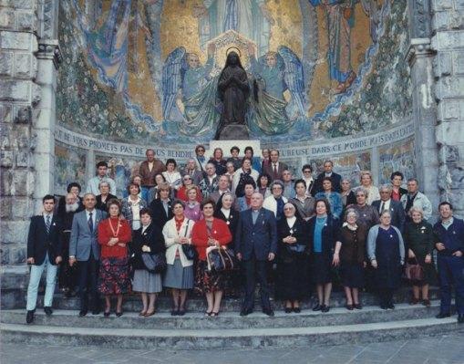 Gruppo di usticesi in pellegrinaggio a Lourdes