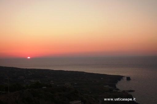 Ustica faraglioni, tramonto