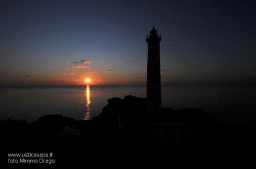 Faro punta Cavazzi al tramonto