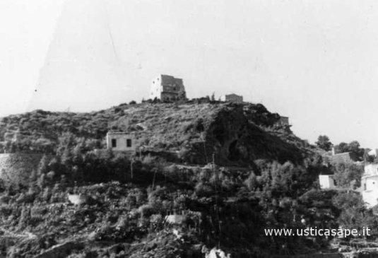 Ustica  Zona torre Santa Maria, come eravamo