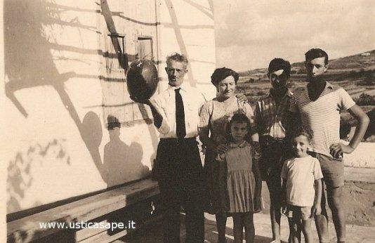 Famiglia Martello con l'anguria di Ustica