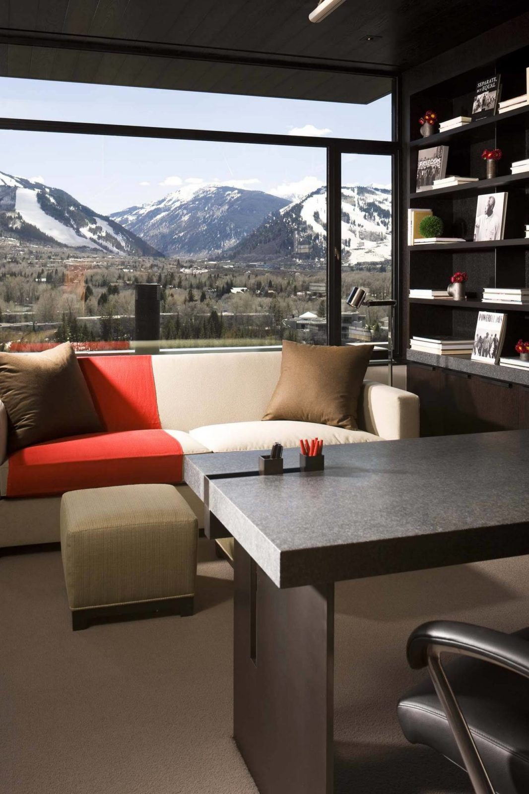 Contemporary Home Office In Black With Amazing Mountain View