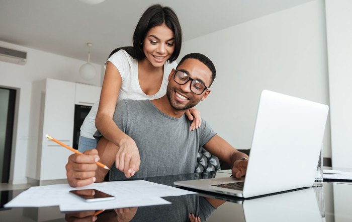 couple celebrates fixing credit after filing for bankruptcy