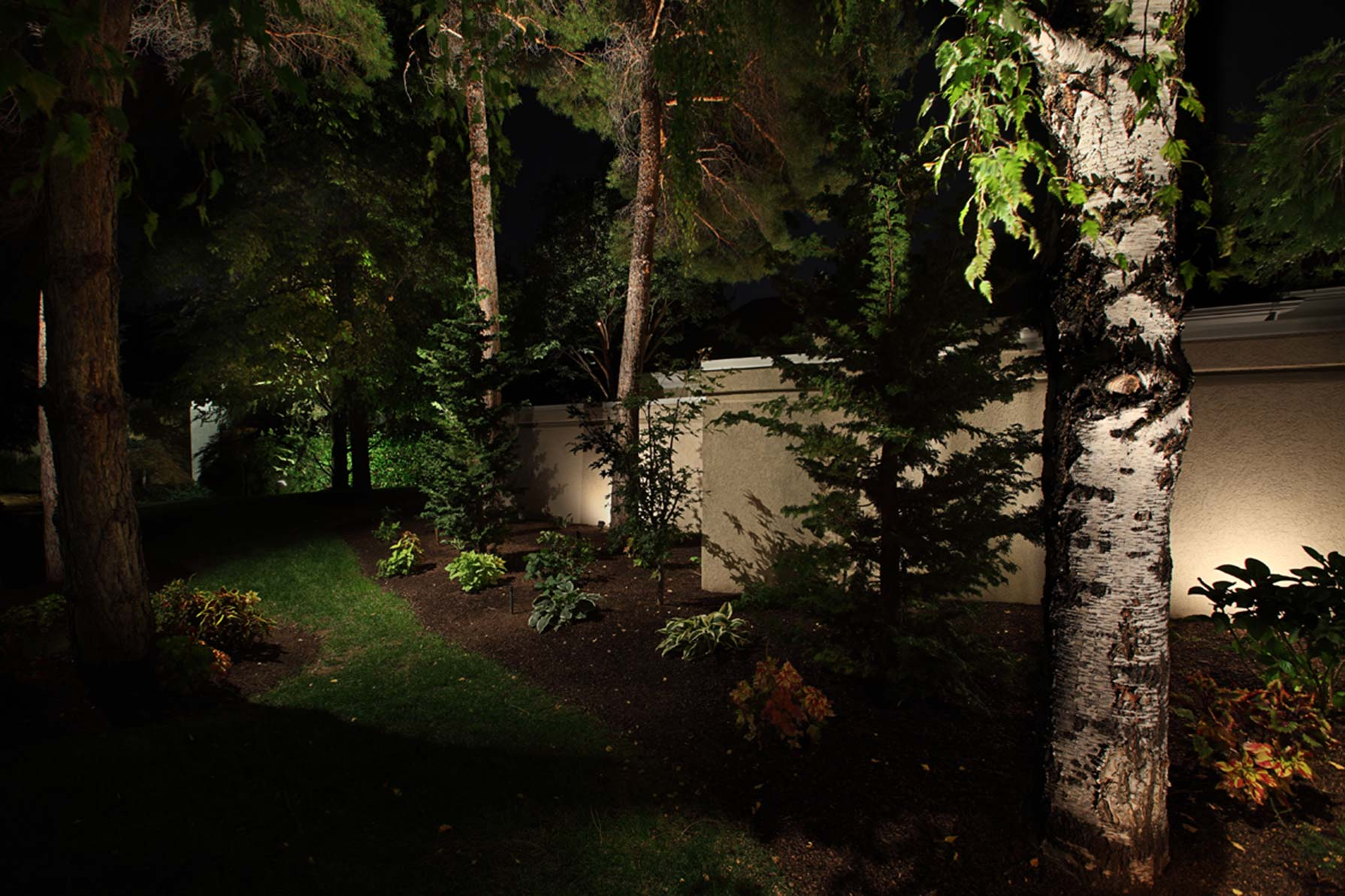 https www utahlights com blog the 3 best wash lighting techniques to create a beautiful outdoor lighting experience