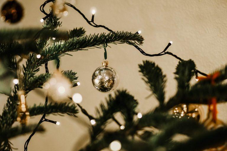 Luci di Natale sull'albero