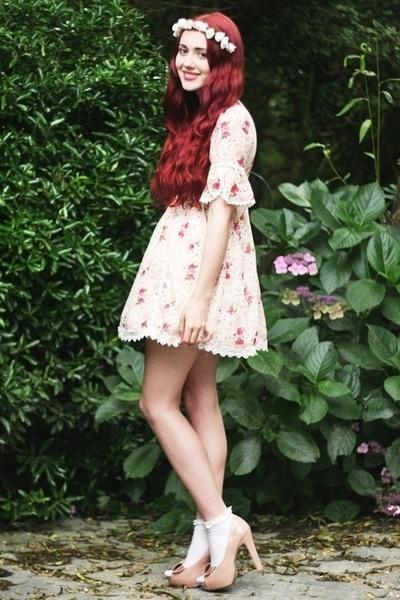 Cvetna traka za kosu