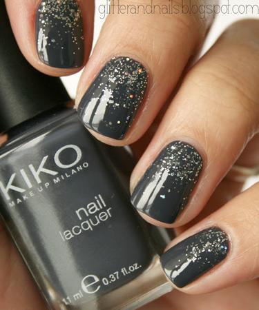 tamno sivi nokti sa sljokicama