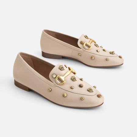 loafers sa detaljima