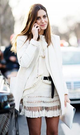 strikana bela suknja uz tvid sako