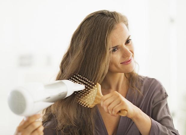kako se susi kosa sa cetkom