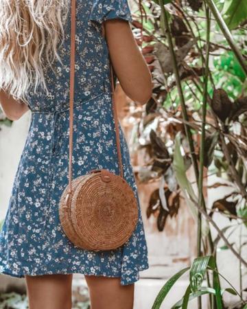 retro modni detalji- torbe od slame ili rafije