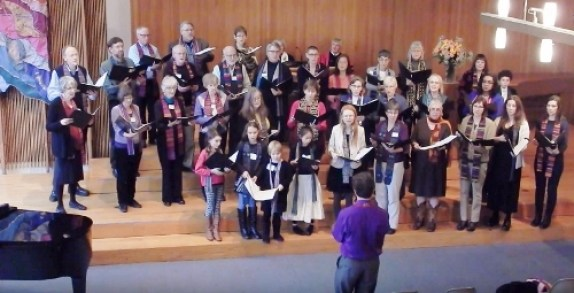 UUC's Intergenerational Choir on the chapel steps (pre-remodel)