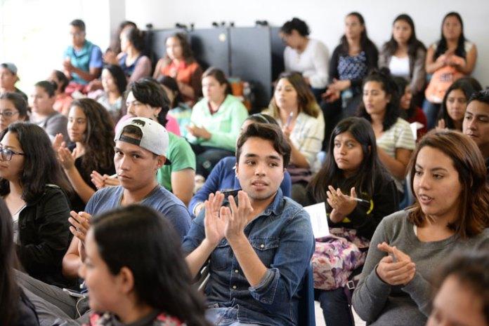 Se registró una importante asistencia de estudiantes de las facultades de Pedagogía y Psicología