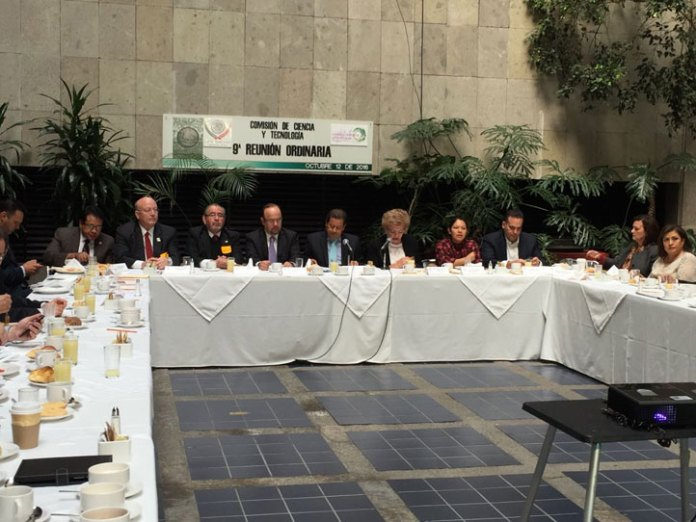 En el encuentro se discutió sobre los recursos para la educación superior pública y la investigación científica y tecnológica