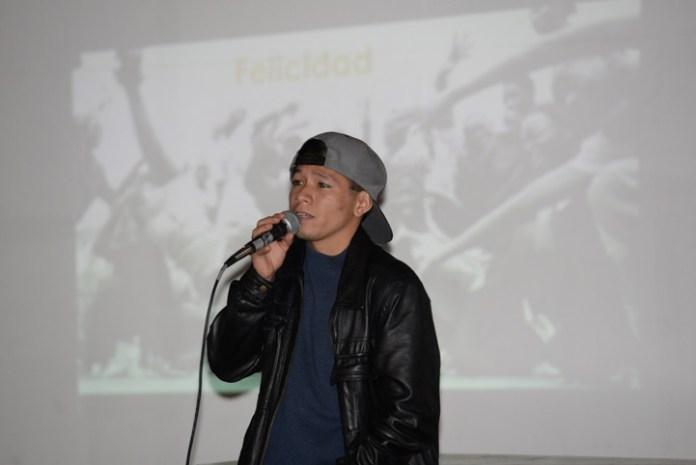 El bailarín de hip hop, Javier Wong, impartió la conferencia inaugural del 10º Enedac 2016