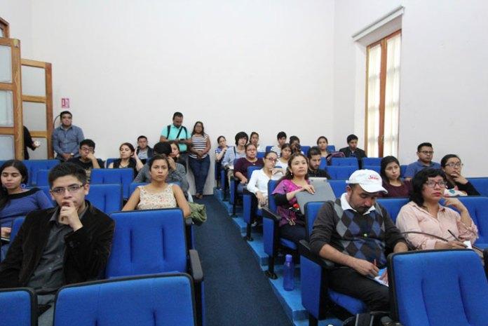 Impartió taller en el Instituto de Investigaciones Histórico-Sociales