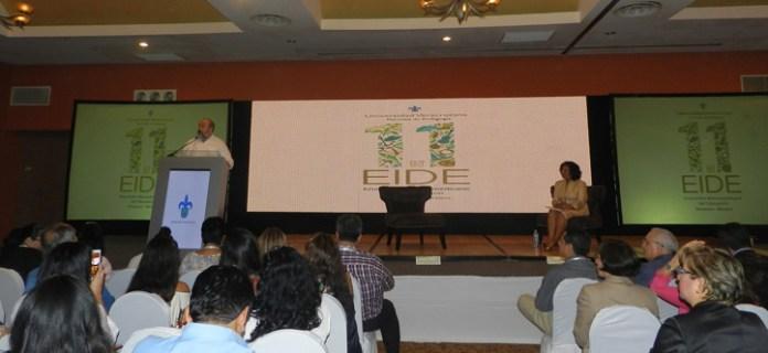 José Antonio Hernanz dictó la conferencia inaugural