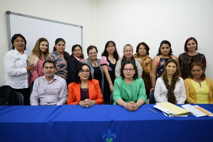 Docentes de la UV impartieron curso-taller a empresarias de Xalapa