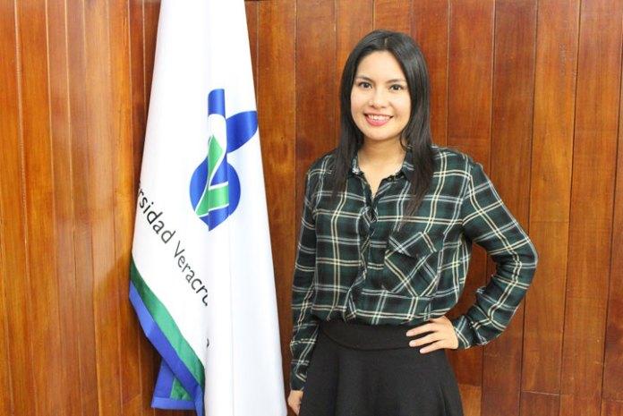 Itzel Abigail Herrera Gómez, estudiante de la FCA