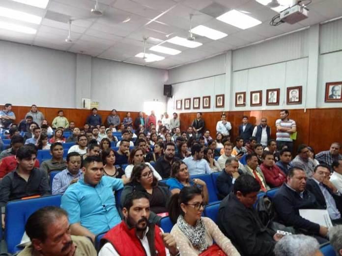 """La conferencia """"Sistema  Penal Acusatorio en Veracruz, simulación y desastre"""" se realizó en la Facultad de Derecho"""
