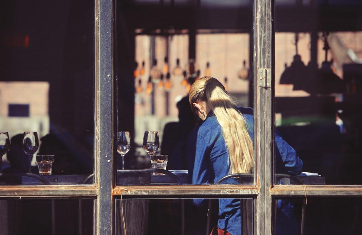 飲食店 女の子