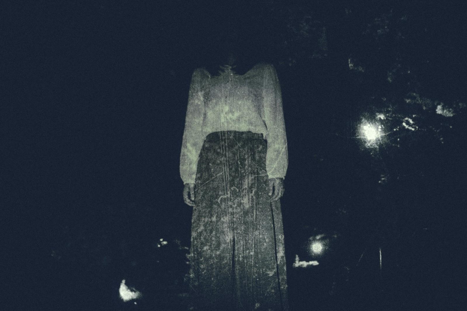 女性 暗闇 ストーカー
