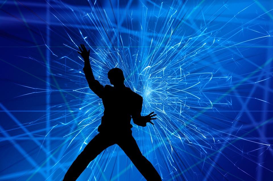 シルエット 男 運動 ジャンプ レーザー ショー 光 レーザー 光のショー カラフル 光線
