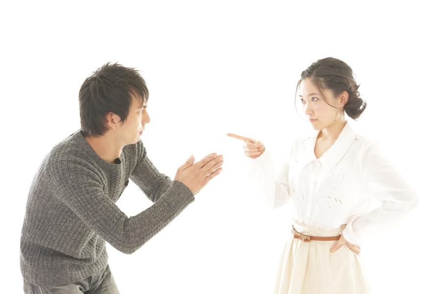 追求する彼女と謝る彼氏