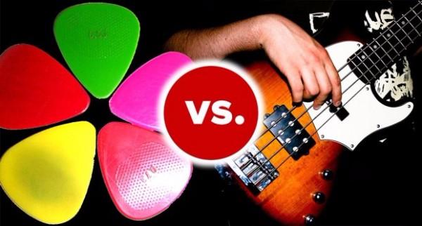 Met of zonder plectrum gitaar spelen