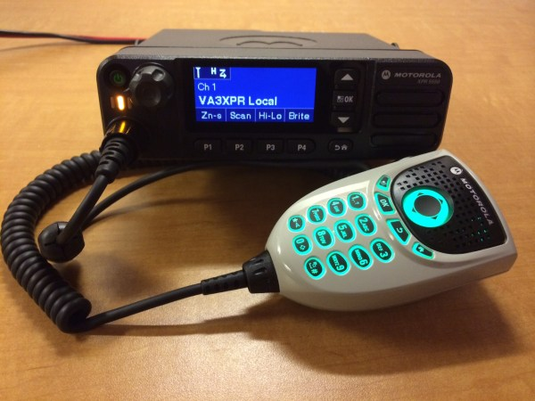 Motorola MOTOTRBO XPR 5550 with DTMF Microphone