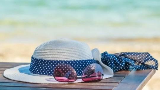 Se protéger du soleil en vacances, que mettre dans sa valise ?