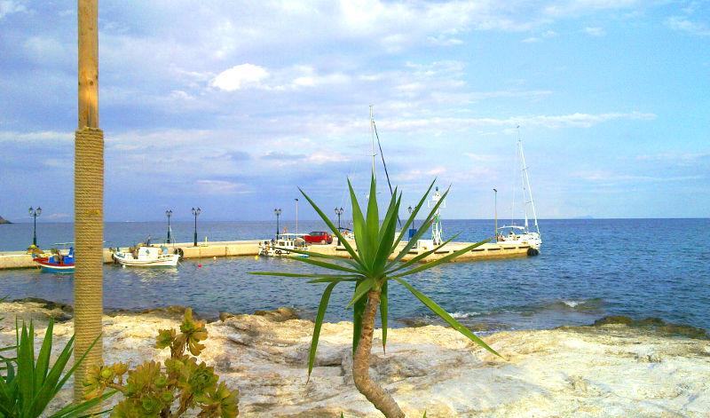 Insula Aegina Eghina Cazare Taverne Plaje Transport Si