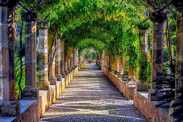 Giardini di Alfàbia, Maiorca