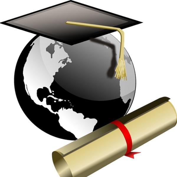 Idee regalo per una laurea? Lista viaggio