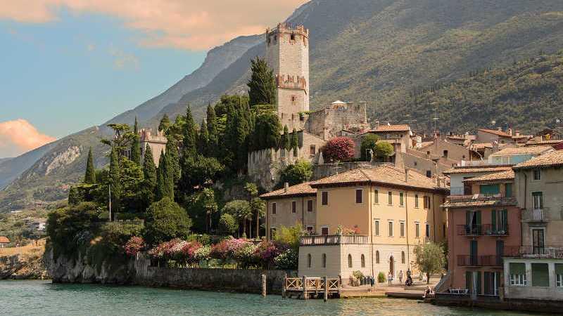 Trascorri 3 giorni a Malcesine: Hotel con vista sul lago di Garda la soluzione perfetta