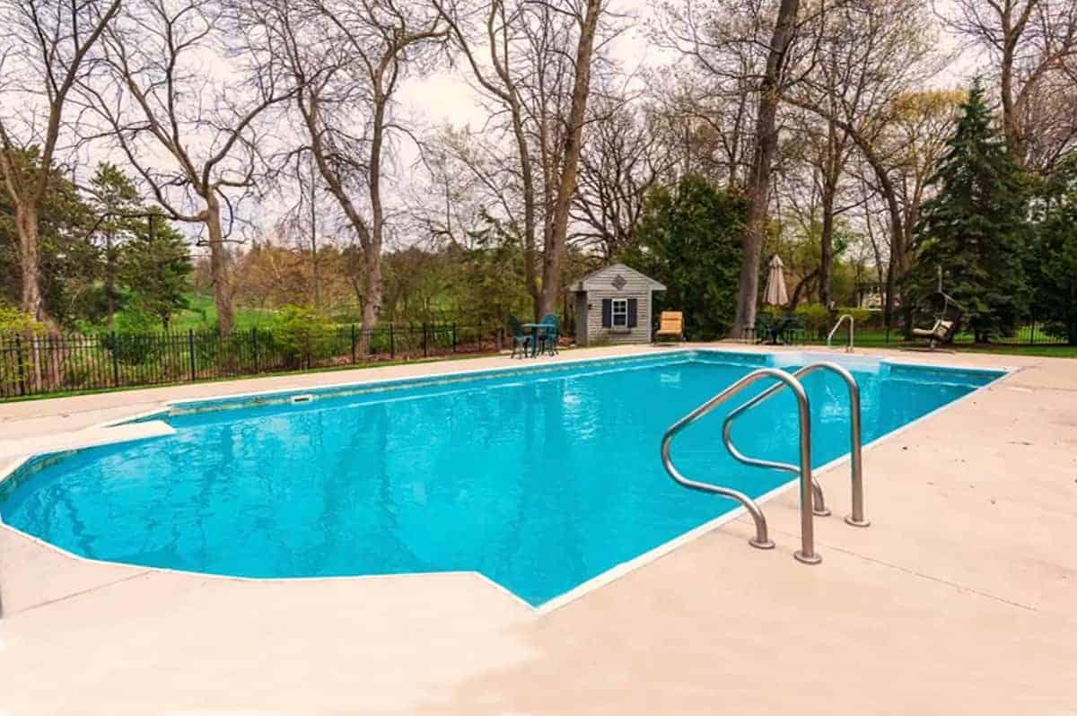 Fox-Hollow—back-yard-pool