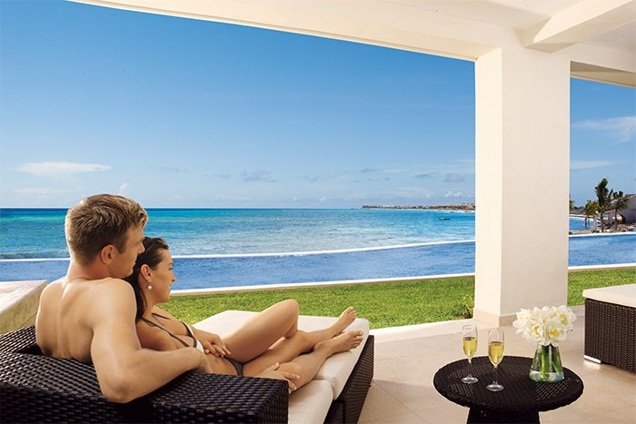 Swim-Up suites offer private terraces with direct pool access.