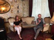 Marion Mewis mit Künstler Guido Roy Horn