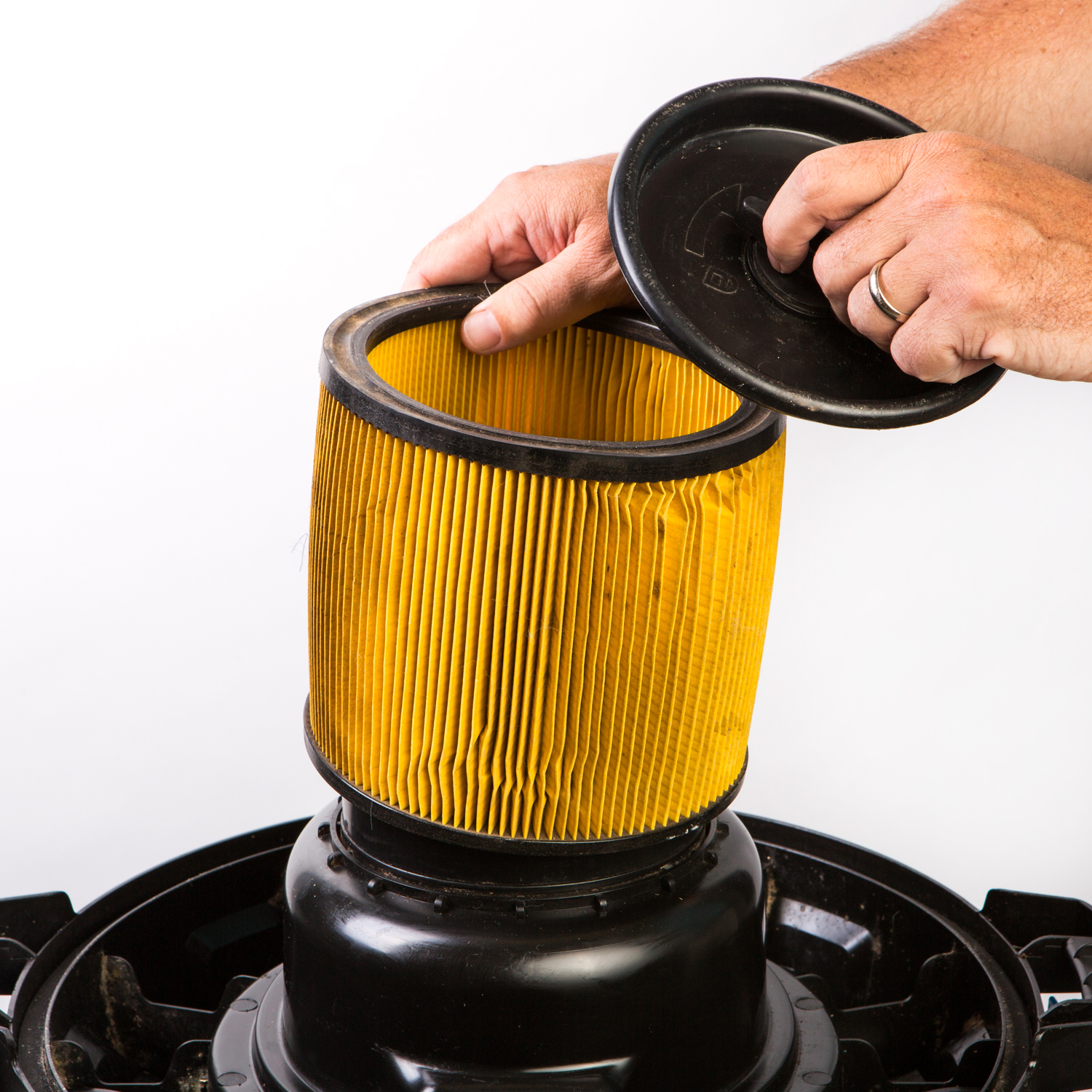change the filter in a wet dry vac
