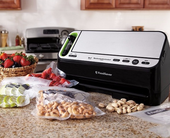 Best vacuum sealer reviews: FoodSaver V4440 2 in 1 Vacuum Sealing System
