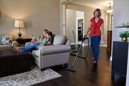 HP Living room Dust mop shot