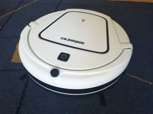 SeeBest D730 – your standard hard floor robot cleaner