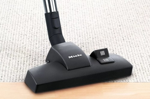 ... Berber carpets need to be vacuumed with a cleaner that has a high suction. The German brand Miele has been producing high-performance vacuum cleaners ...