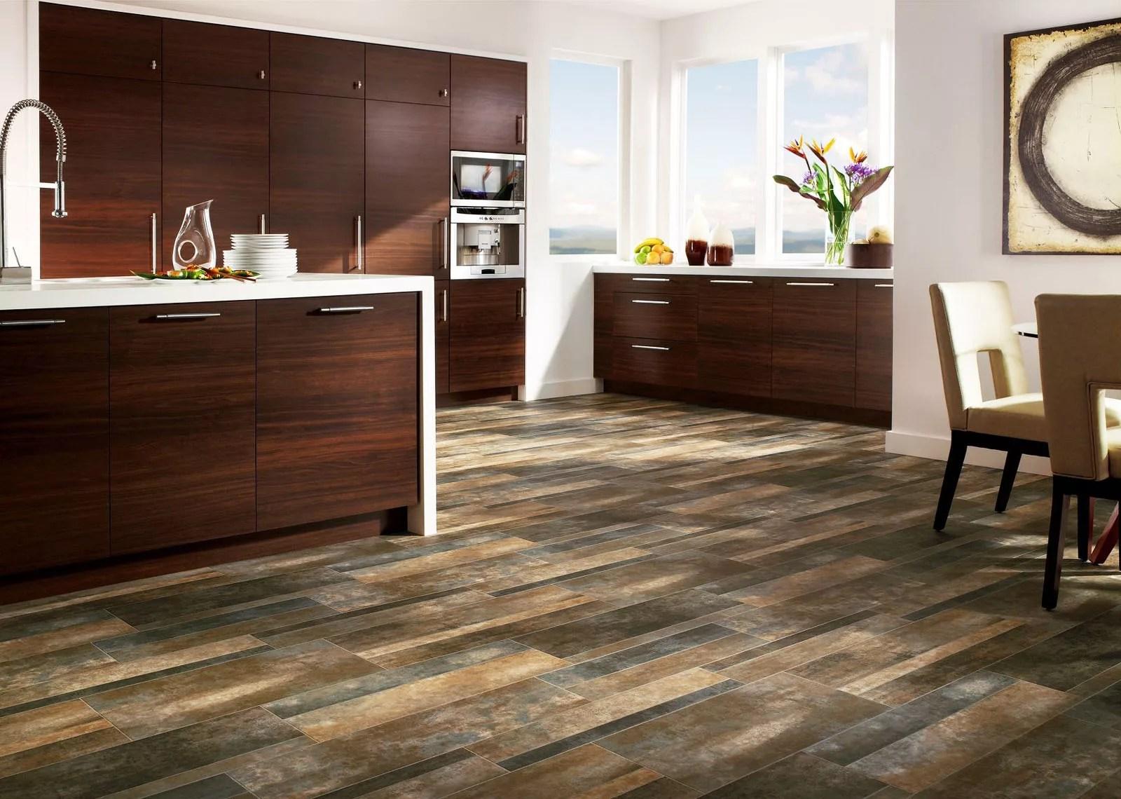 Vinyl Plank Flooring Reviews Advantages Installation Guide And Brands - Vapor barrier under vinyl plank flooring