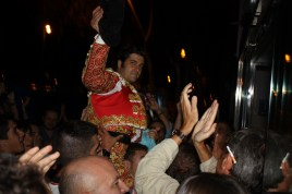 Morante, llegando al hotel en 2010