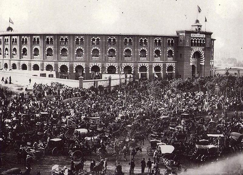 Historia de la plaza de toros de las Arenas    II