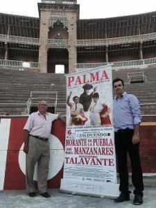 Damià Ferrà y Miguel Gomis, durante la presentación del cartel, anoche, en el Coliseo Balear.